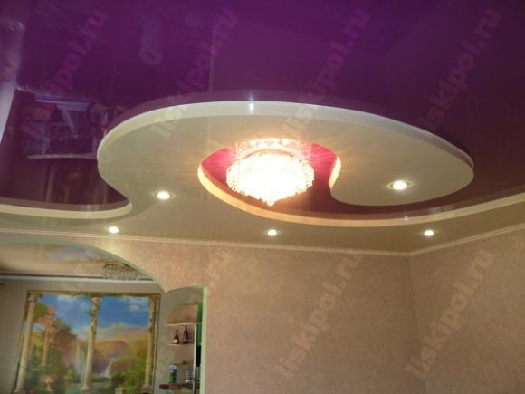 Двухуровневый и двухцветный натяжной потолок