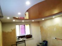 Двухуровневый потолок с потайными карнизами